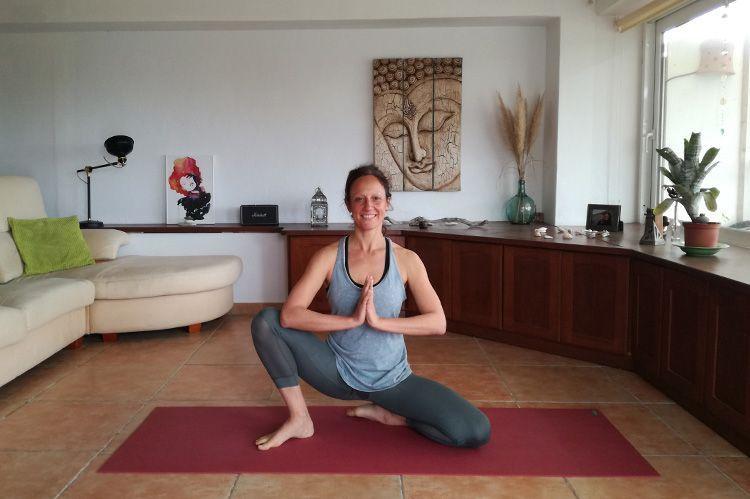 clases yoga online gratis con laura inspira yoga
